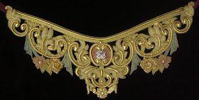 Taller de bordado Sebastián Marchante: Cinturilla bordada en oro para la Virgen de los Dolores (Málaga)