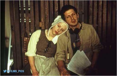Peter Webber & Scarlett Johansson, La Jeune fille à la perle (2004) #onset
