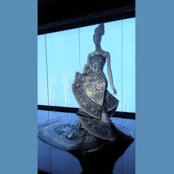 The Metropolitan Museum of Art is opened until Midnight today for #chinathroughthelookingglass #exhibition ! It was beautiful!!!   #themetropolitanmuseumofart #museum #fashion #chinoiserie #manhattan #newyork #nyc #uppereastside   #メトロポリタン美術館 #シノワズリ #ファッション #ニューヨーク #マンハッタン #アッパーイーストサイド #美術館