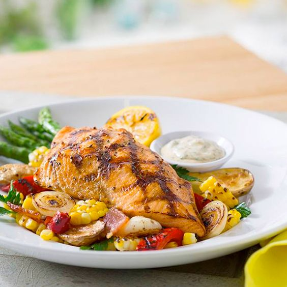 Savor the summer with the new summer menu at Seasons 52 that features dishes with 475 calories or less