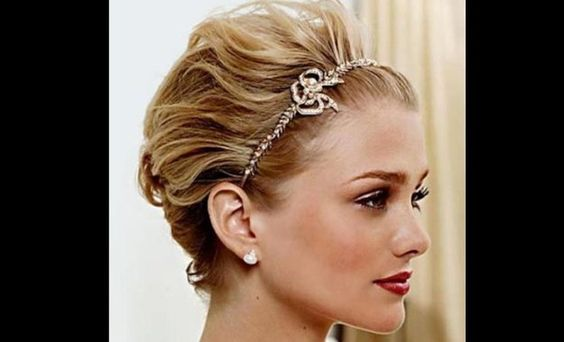 Queen Hairstyles: Homecoming Dance Hairstyles Inspiration Perfect For The