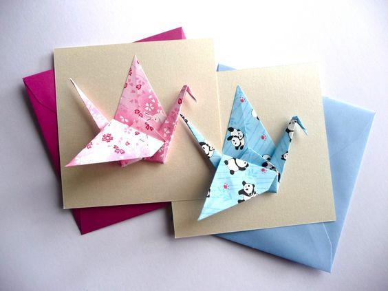 carte double origami grue en papier japonais fuchsia carte de naissance ou d 39 anniversaire. Black Bedroom Furniture Sets. Home Design Ideas