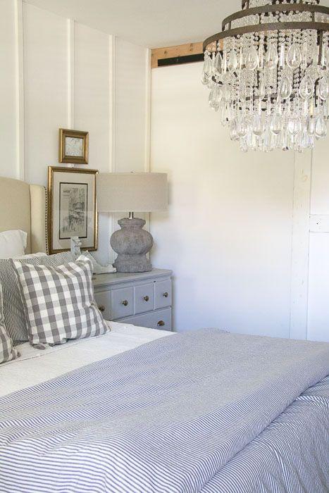 Farmhouse-cottage-bedroom