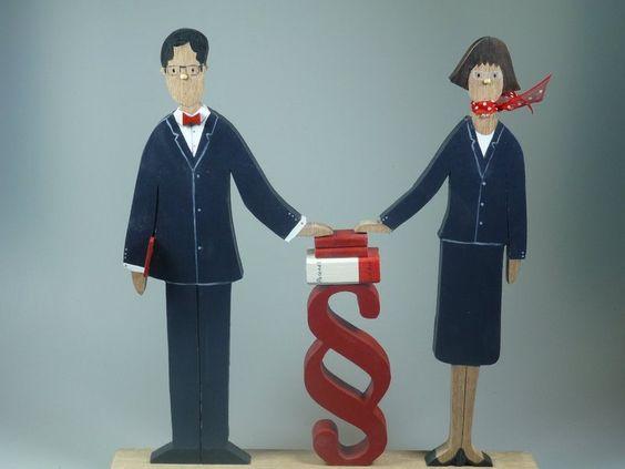 Figur aus Holz - Anwalt - Notar - Jurist