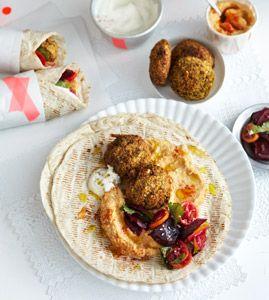 Falafel mit Rote-Bete-Salat und Hummus - Rezepte - [LIVING AT HOME]