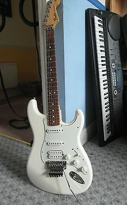 Fender Mexican Stratocaster - White - HSS - Floyd Rose - Very good condition | eBay