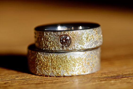 EHERINGE TRAURINGE SILBER GOLD DIAMANT STARDUST  SCHLICHT &EDEL mit hochkarätigem Sternenstaub! Massive, innen leicht bombierte(abgerundete) Trauringe-Eheringe-Hochzeitsringe aus Silber mit...