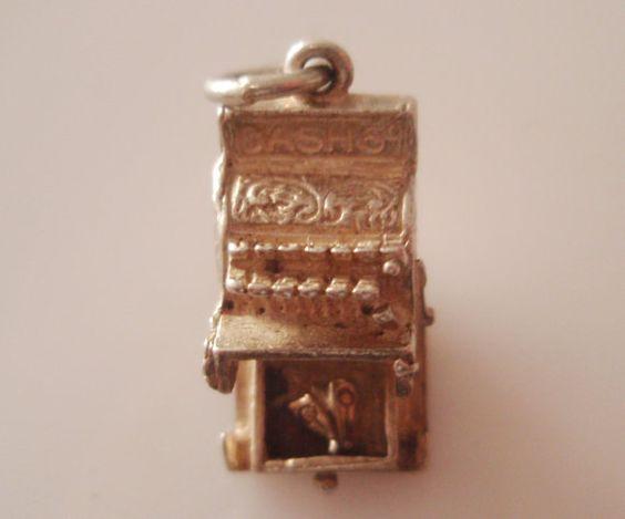 Boutique livres sterling caisse enregistreuse et ouvre de charme Moth