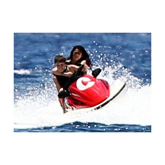 Fotos de Justin Bieber y Selena Gomez haciendo deportes de aventuras... ❤ liked on Polyvore
