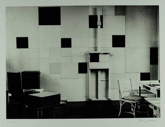 Piet Mondrian's studio,  Atelier de Mondrian 26 rue du Départ, Paris, 1929 photo by Michel Seuphor