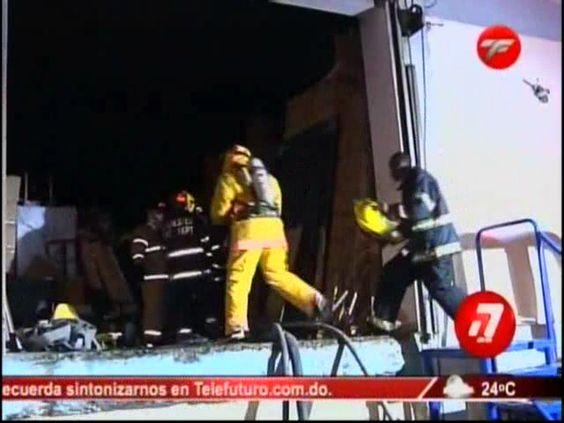 Se Incendian Tres Naves Industriales En Autopista Duarte #Video