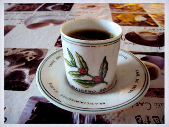 Direto da máquina do tempo, essa caneca nos lembra a época dos barões do café no Brasil. Seu dono, Sergio Parreira, garante!