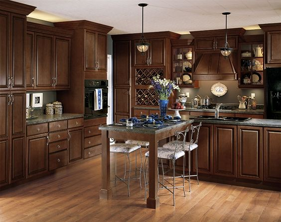 kitchen cabinets - color and different heights at top...