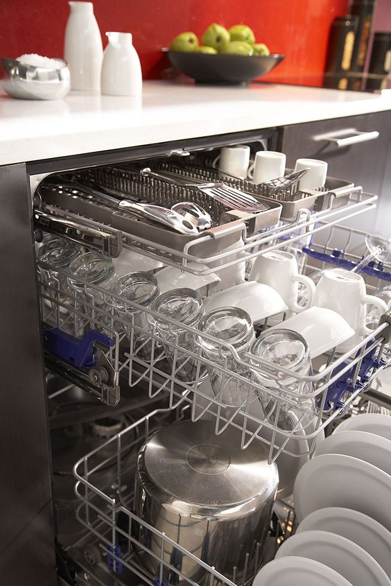 A large load capacity LG dishwasher with adjustable racks.#LGLimitlessDesign & #Contest: