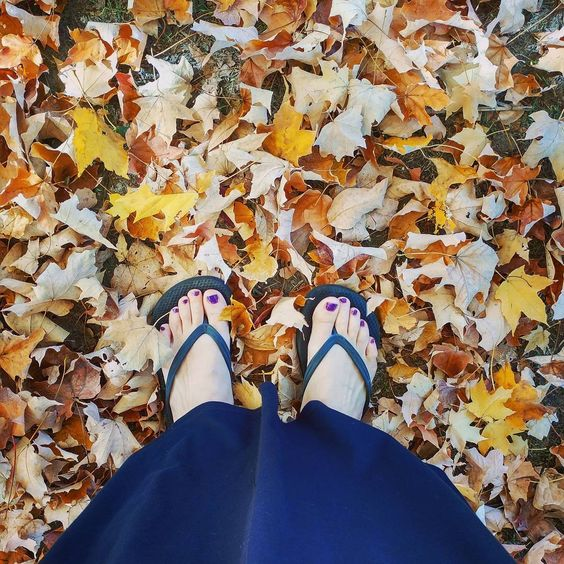 November & I'm still able to wear flip flops. I'm not complaining about the 80 degree temps one bit. #fwisfeed #rjvstand #happynovember: