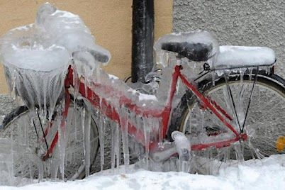 Some days in winter on a 6 am ride I feel like this.