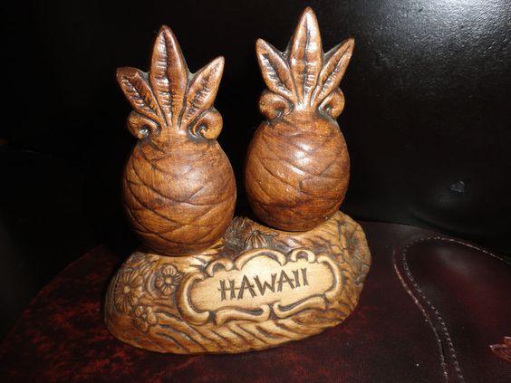 VINTAGE PINEAPPLE TIKI LUAU SALT & PEPPER TREASURE CRAFT OF HAWAII VINTAGE NEW!