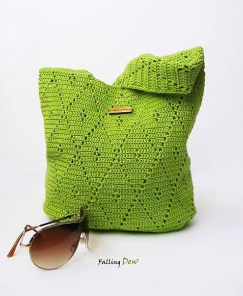 Irish crochet &: CROCHET BAG, free pattern, diagram, chart, #haken, gratis patroon, haakschema, diamant, ruit, midwife, deken, sprei, #kraamcadeau, #haakpatroon, steek,