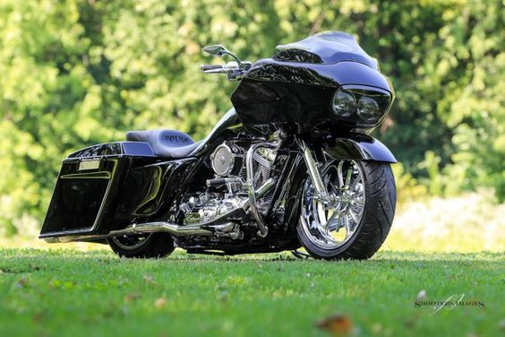 "Harley Davidson Road Glide with 21"" front rim - Google Search"