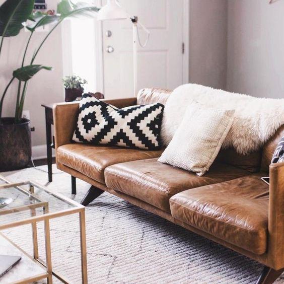 Không gian phòng khách ấm áp hơn với mẫu sofa da thật tphcm