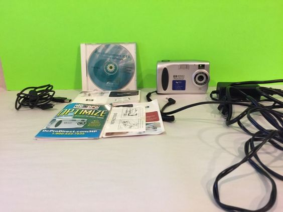 HP Photo smart 215 Digital Camera, CD, And All Cords