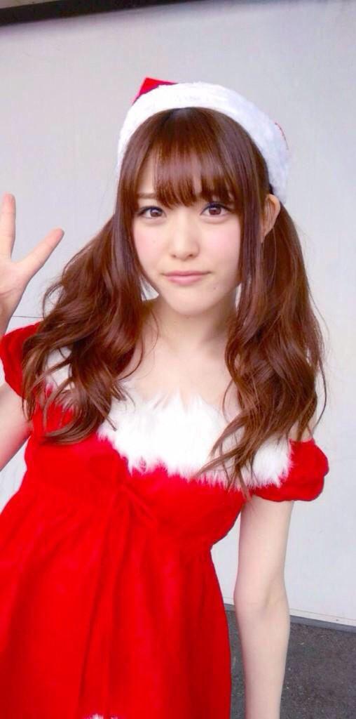 サンタ衣装の松村沙友理