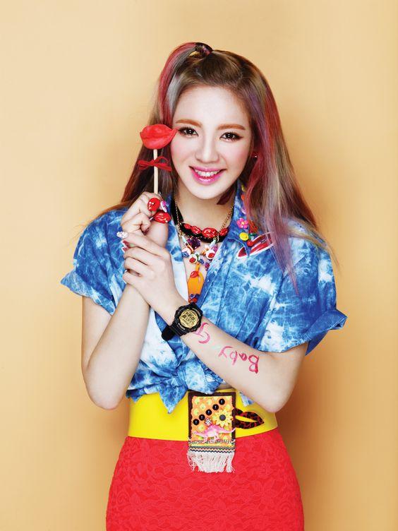 "Girls' Generation - Casio ""Kiss me Baby-G"" - HyoYeon"