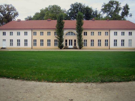Paretz_Schloss_Front.jpg (JPEG-Grafik, 1136×852 Pixel)