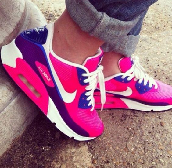 Chic Sneaker Head