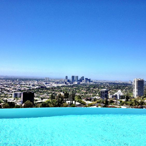 Infinity pool view on Tanager in the bird streets area in ...