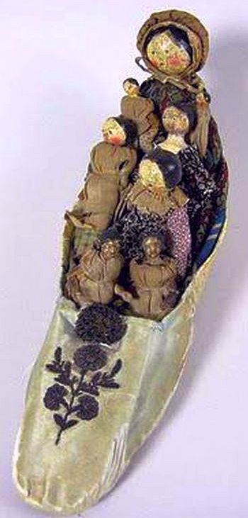 All Dolls in the Shoe are Grodnertal Dolls.