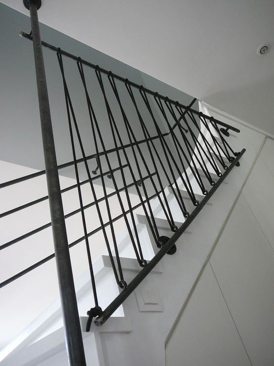 Garde corps en acier et sandow noir rampe d 39 escalier en acier paris - Rambarde escalier originale ...