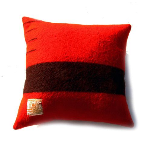 Decorative Pillows Hudson Bay : Hudson bay blanket, Hudson bay and Large throw pillows on Pinterest