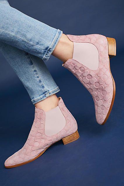 Fashionable Flat Shoes