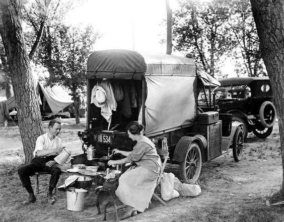 """Camping"" in 1918."
