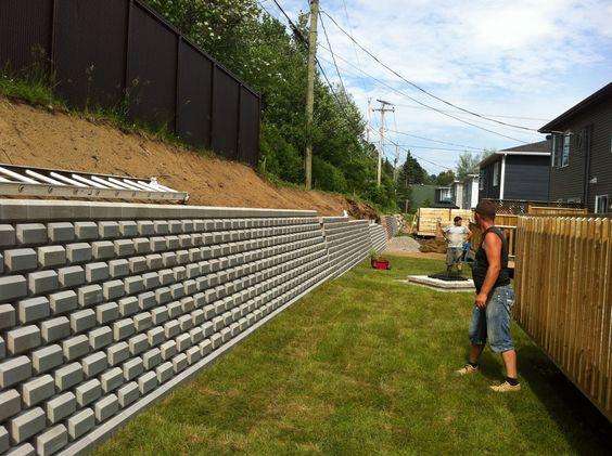 terrassement bolduc pavage mur de sout nement mur de soutainement pinterest. Black Bedroom Furniture Sets. Home Design Ideas