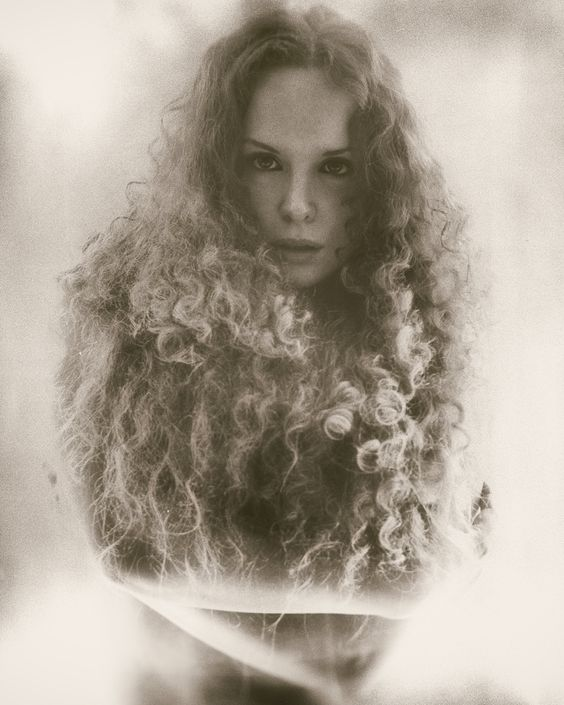 Portrait, wide open / Photography by: Macman / Model: Jezebelle