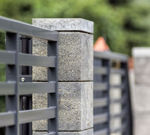 Modular Fence System Roma Classic Concrete Fences Producer Of Fences Posts Blocks And Hollow Bric Modern Fence Design Fence Wall Design Front Wall Design