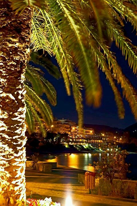 Vouliagmeni by night!