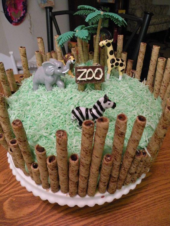 festas aniversario jardim zoologico maia:Bolo com decoração de zoológico, Zoológicos and Bolos on Pinterest