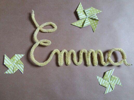 Emma en tricotin