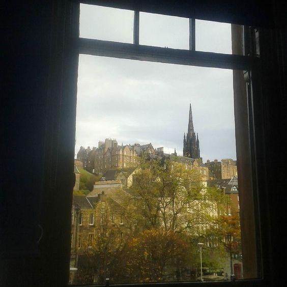 Da janela lateral  do quarto de dormir  by florencetonari
