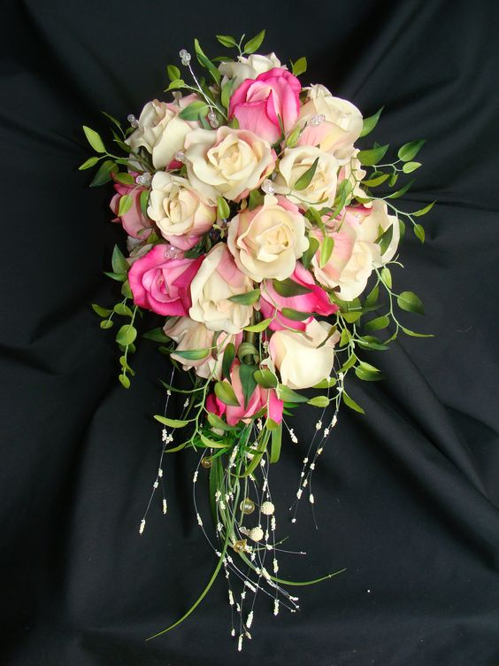 Cascade Bridal Bouquet Instructions : White flowers bouquet and step by