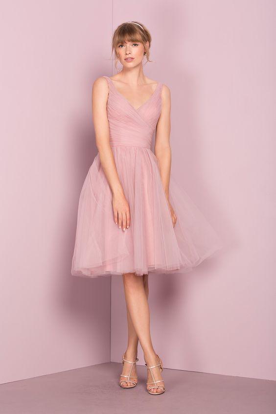 Rosa Kleid Kombinieren Welche Schuhe Passen Zu Rosa Kleid In 2020 Trauzeugin Kleid Tull Brautjungfer Kleid Schone Kleider