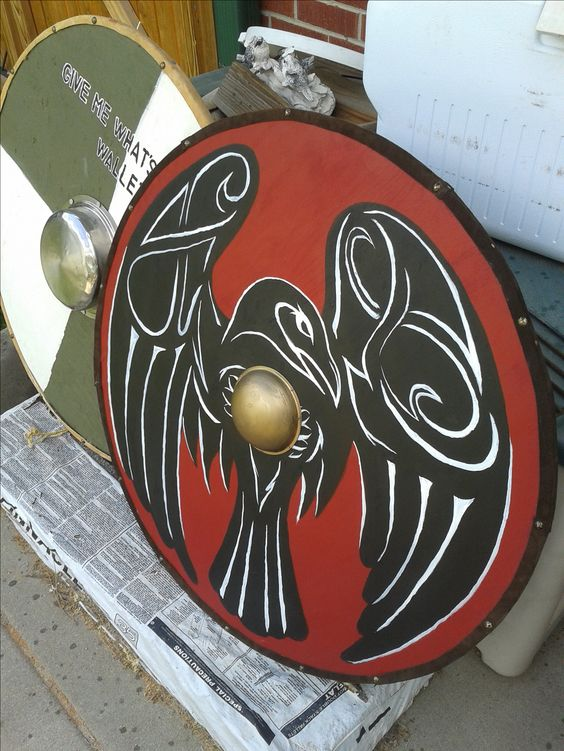 Quot Raven Quot Viking War Shield Plywood Pine Brass Carpet