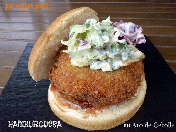 Hamburguesa en aro de cebolla rellena de sobrasada y queso | Cocina