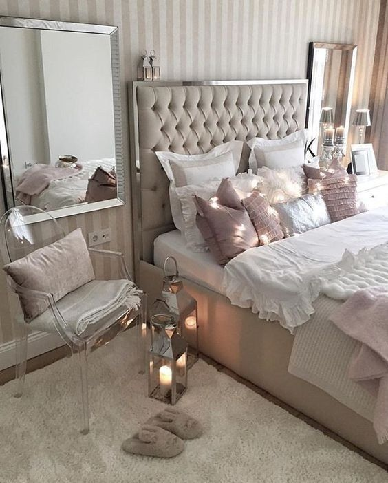 35 Amazing And Inspirational Glamour Bedroom Ideas Luxurious Bedrooms Fancy Bedroom Bedroom Interior