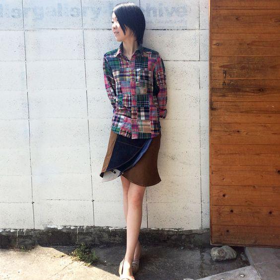 デニムやコットン・古着生地などを組み合わせたパッチワークスカート。履くとチューリップのようなラインが可愛い☆手前の布上部はポケットになっています。巻きスカート...|ハンドメイド、手作り、手仕事品の通販・販売・購入ならCreema。