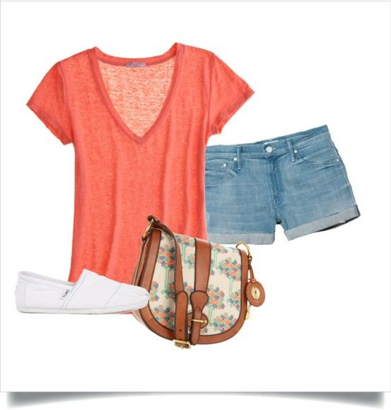 This would be an awesome day out outfit, just to go walking around town in!