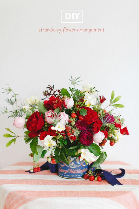 DIY strawberry flower arrangement | Photography: Ruth Eileen - rutheileenphotography.com